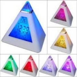 Будильник Светящаяся пирамида